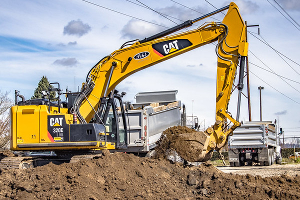 Cat Medium Excavator working in Hillsboro Oregon