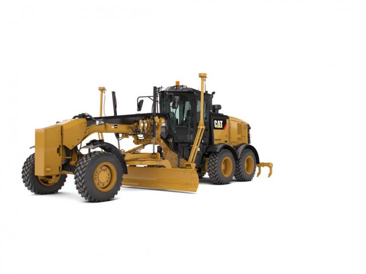 150 Motor Grader equipped with push block and ripper