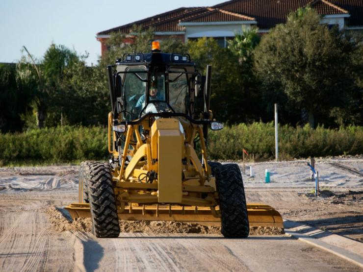 150 Motor Grader creating new roads