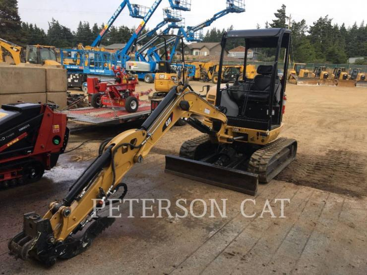 2017 CATERPILLAR 302.7D CR